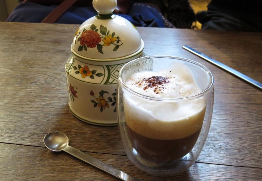 cappuccino_thé_au_fourneau_Rennes
