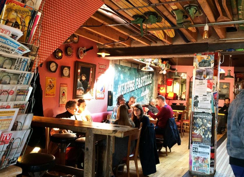 interieur_cafe_du_port_trentemoult_nantes