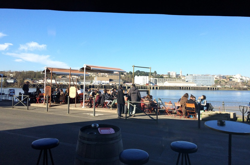 terrasse_cafe_du_port_trentemoult_nantes