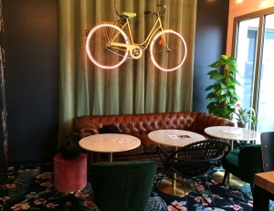 whitefields_cafe_rennes_cosy